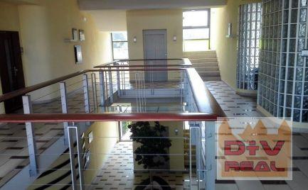 D+V real ponúka na prenájom: kancelársky celok, Ružinovská ulica,  (3 samostatné kancelárie a prislušenstvo), parkovanie za doplatok