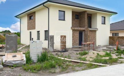 GOFAR - Na predaj 3 izbový byt (AB-A) so záhradou a 2 parkovacími státiami v novostavbe Baka