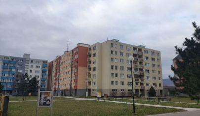 REZERVOVANÝ  - NA PREDAJ 1 izbový byt s loggiou v BA- RAČA