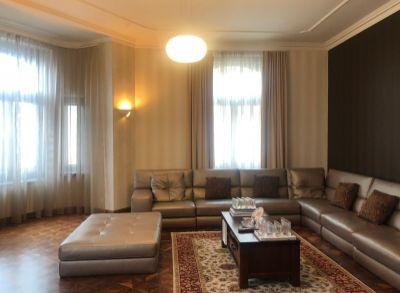 ART REAL Estate ponúka na PREDAJ nádherný luxusný 4-izbový byt v Bratislave - Staré Mesto