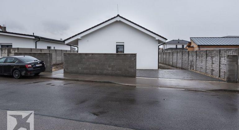 Novostavba 4-izb. skolaudovaný bungalov Bratislava-Podunajská Brána.