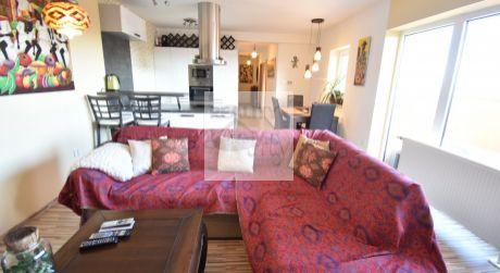 Elegantný 3- izbový byt 72m2, s krásnou terasou 18m2, výťahom a parkovacím miestom.