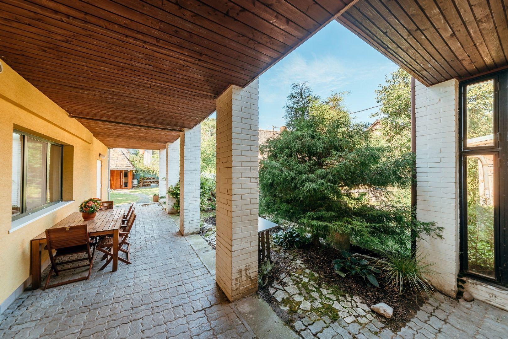 Rodinný dom-Predaj-Bratislava - mestská časť Karlova Ves-570000.00 €