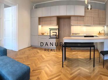 Srenájom 3 izbový byt, Špitálska ulica, Bratislava-Staré Mesto.