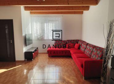 Predaj 3-izbový mezonetový byt v Moste pri Bratislave.