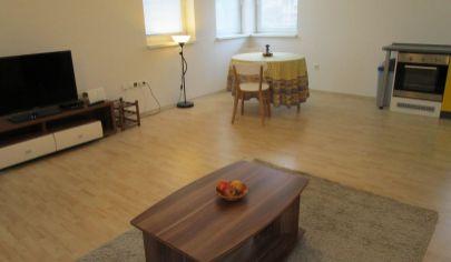 MARTIN NÁJOM zariadený 2 izbový byt 51m2 s lodžiou, Centrum
