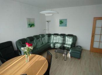 slnečný 3-izbový byt v Petržalke