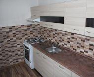 Slnečný 3 - izbový byt po čiastočnej rekonštrukcii, loggia