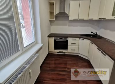 2895 Na predaj 2-izb. byt v Nových Zámkoch