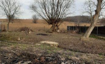 EXKLUZIVNE !..pozemok v obci Čeladice o výmere 874m2