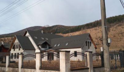 Penzión v malebnej dedinke, pozemok 1732m2 okres MARTIN