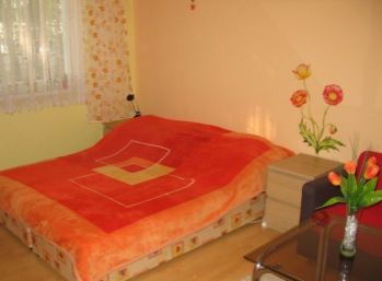 1-izbový byt kompletne zariadený