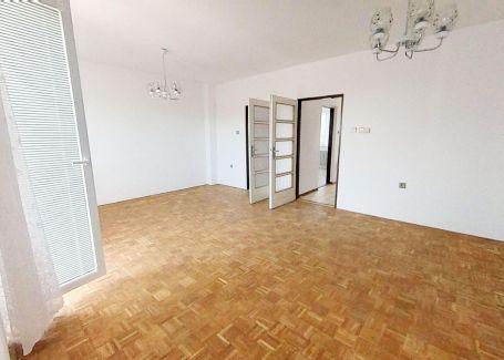 4 izbový rodinný dom s rovnou strechou - Nová Dubnica, Jána Nerudu