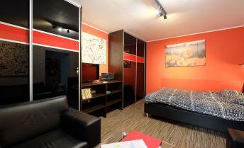 1-izb.byt v centre Bratislavy na Kúpeľnej ulici