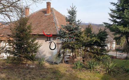 GEMINI BROKER Vám ponúka na predaj 3 izbový dom na chalupu alebo aj na trvalé bývanie v obci Telkibánya.