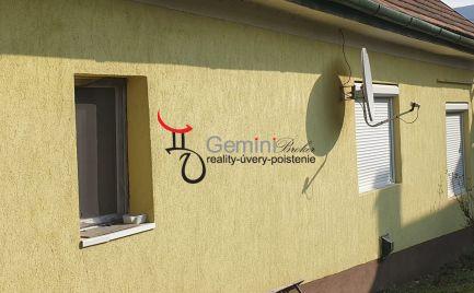 GEMINI BROKER Vám ponúka čiastočne zrekonštruovaný rodinný dom gazdovského typu v obci Gonc