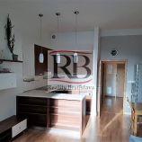 Na prenájom priestranný 2 izbový byt na Kadnárovej ulici v Rači