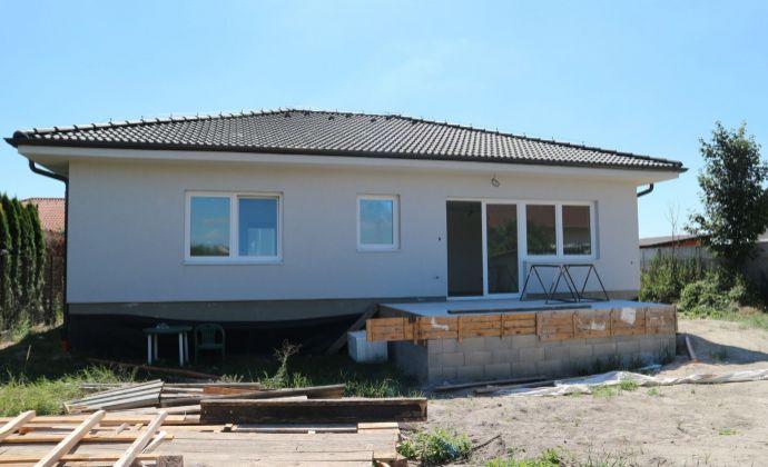 Svetlý 4-izbový rodinný dom s terasou, pozemok 600 m2