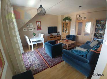 Na prenájom veľkometrážny 4 izbový MEZONETOVÝ byt, 10 km od TN, 129 m2 + GARÁž