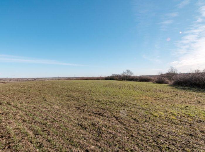 VINOSADY, pozemok, 605 m2 – IDEÁLNA ORIENTÁCIA, na skok do Pezinka, MALÉ KARPATY