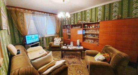 PREDAJ  2-izbový byt s balkónom v Štúrove.