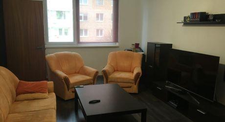 Prenájom 4 izbového bytu na Dudvážskej ulici - Dolné Hony