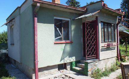 Ponúkame Vám na predaj murovanú chatu v Nových Zámkoch