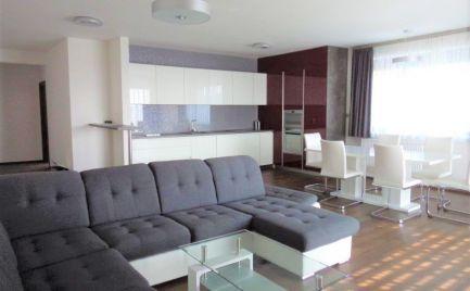Ponúkame do prenájmu 4 izbový moderný byt vnovostavbe na Perneckej ulici, lokalita Karlova Ves.