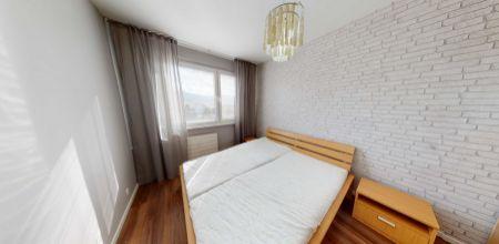 Na predaj pekný ZARIADENÝ 3 IZBOVÝ byt v Dubnici nad Váhom, 68 m2, lódžia