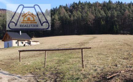 Exkluzívny predaj stavebného pozemku v obci Prečín
