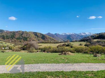 Predaj slnečného rekreačného pozemku v obci Lysica, 800 m2, 39.990 Eur