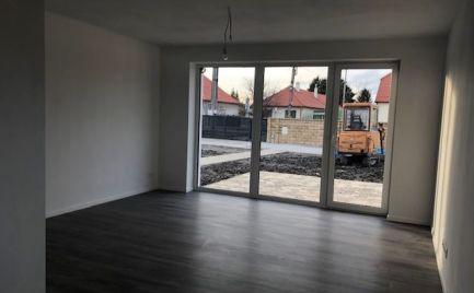 NOVOSTAVBA - 3 izb. byty v obci LEHNICE
