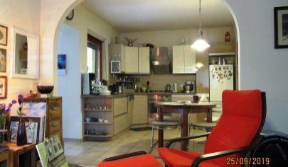 Predaj – Rodinný dom v tichej časti Hegyeshalom – HU. TOP PONUKA !