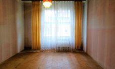IDEÁLNY NA REKONŠTRUKCIU 3 izbový atypický tehlový byt - na Severe v Košiciach