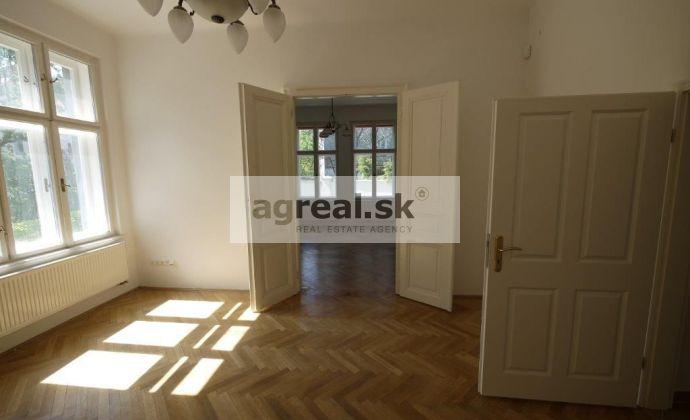 Štýlové kancelárske priestory o výmere 87,7 m2 v secesnej vile Galandova ulica s terasou