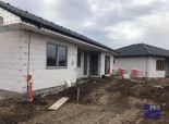 --PBS-- NOVOSTAVBA rodinné domy typ BuNGALOV 4+1, pozemok od 401 m2, Trnava - Kamenná cesta
