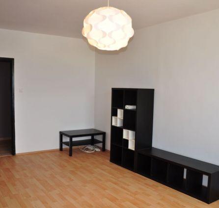 STARBROKERS – PREDAJ kompletne zrekonštruovaný 3-i byt 68 m2 na 11/13 p. + loggia, Mamateyova ul., Bratislava - Petržalka