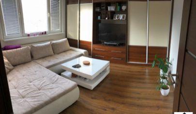 Vo vyhľadávanej lokalite ponúkame na predaj 3 izbový byt na Hrobákovej ulici