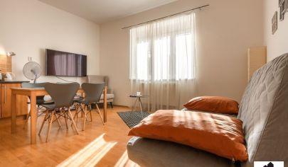 Kompletne zrekonštruovaný 2 izbový byt v centre mesta
