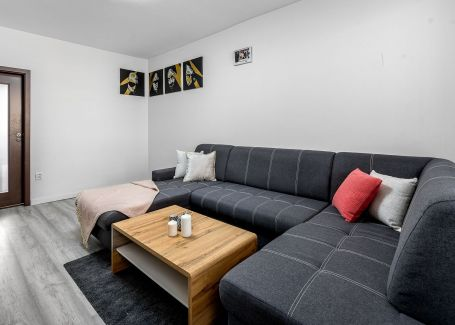 4 izbový slnečný byt, Hnilecká, Bratislava - Dolné Hony