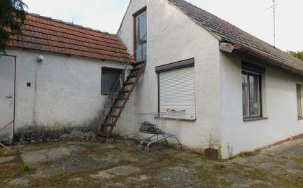 Rezervované! Na predaj starší rodinný dom s pozemkom Senica.