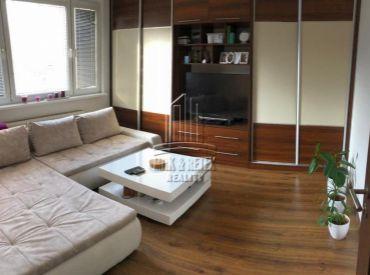 PREDAJ - 3 izbový byt na ulici Hrobákova