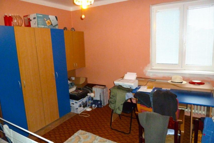 Predaj 3 izbový byt Cinobaňa-1