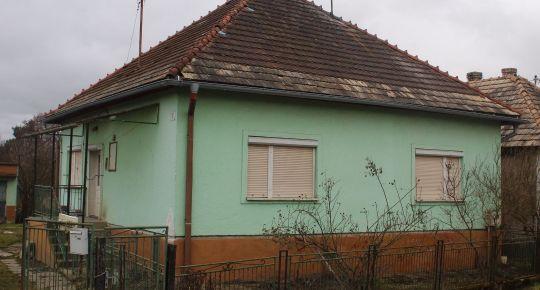 Predám rodinný dom v obci Breznička,okres Poltár