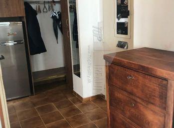 zaujímavý 1 izbový byt v centre – MANDERLA