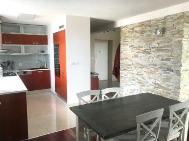 Na prenájom krásny 3-izbový byt v Bratislave v Slávičom údolí