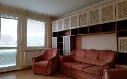 Slnečný 3 izbový byt -  Malacky centrum.