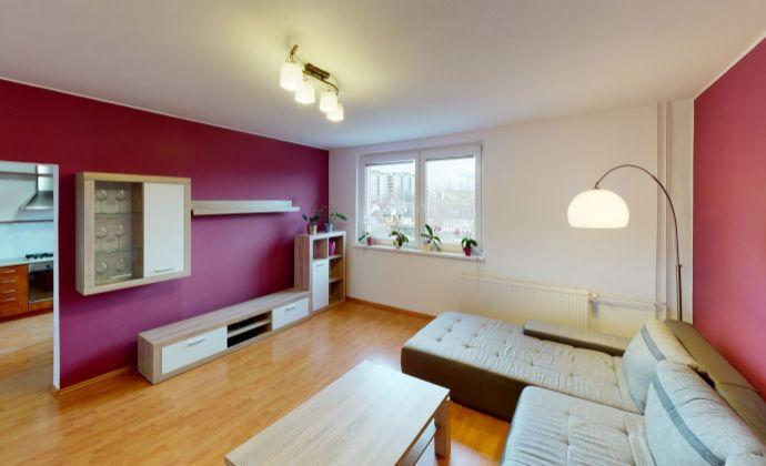 Rezervovaný - Sympatický zariadený zrekonštruovaný 3 izbový byt Trenčín,  Halalovka.