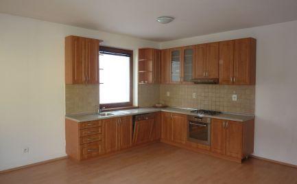 AOA Real –predaj,  3-izbový byt,  70 m2, kompletná rekonštrukcia , zateplenie,  balkón, Šamorín