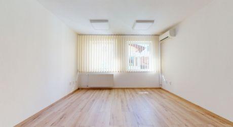 Prenájom -  kancelársky priestor 24m2  v centre mesta Piešťany